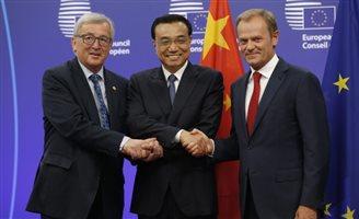 Tusk urges China to resume dialogue with Dalai Lama