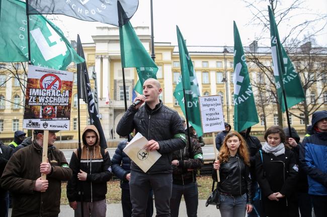 Учасники демонстрації проти імміграції зі сходу, Варшава,18.03.2017.
