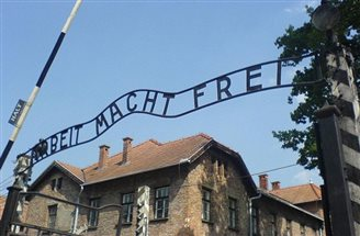 Israeli student steals from Auschwitz