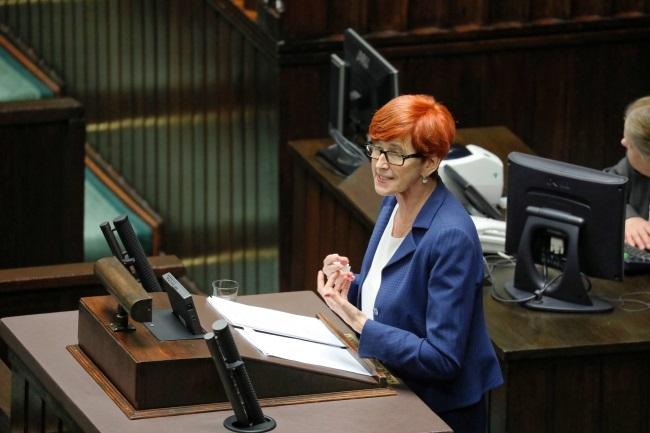 Social Policy Minister Elżbieta Rafalska speaks in the Sejm, Poland's lower house of parliament, on Thursday evening. Photo: PAP/Tomasz Gzell