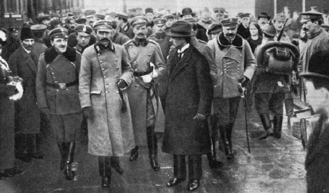 Прибуття Юзефа Пілсудського до Варшави 10 листопада 1918