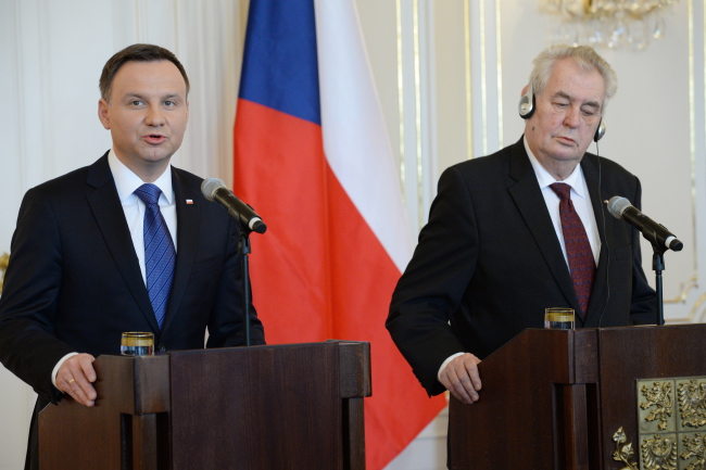 Polish President Andrzej Duda (L) and his Czech counterpart Miloš Zeman (R). Photo: PAP/Jacek Turczyk
