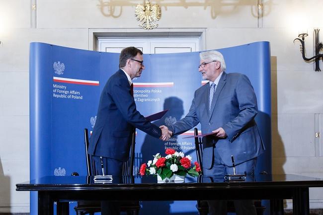 IPN President Jarosław Szarek with Polish FM Witold Waszczykowski. Photo: MSZ