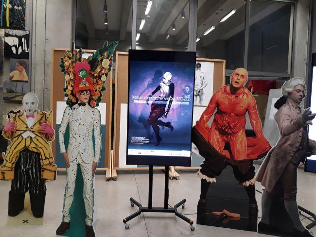 На выставке «Театральный костюм на рубеже веков. 1990-2015»