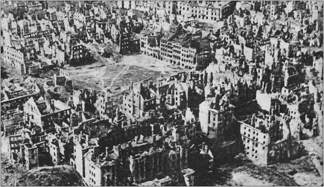 Die Zerstörung der polnischen Hauptstadt Warschau durch die Deutsche Wehrmacht ist in ihrer Systematik und Brutalität ohne Beispiel in der Geschichte.