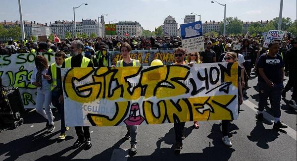 """Протест """"желтых жилетов"""" в Льоне"""