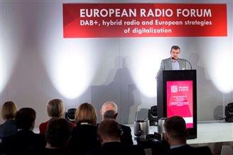 Broadcasters discuss digital radio in Kraków