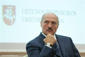 Лукашэнка заваёўвае статус Аліева й Назарбаева