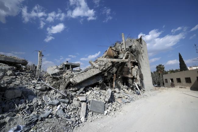 Науково-дослідний центр у Дамаску після авіаудару, 14 квітня 2018 року