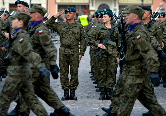 Official swearing-in of Territorial Defence Force soldiers in Rzeszów. Photo: PAP/Darek Delmanowicz.
