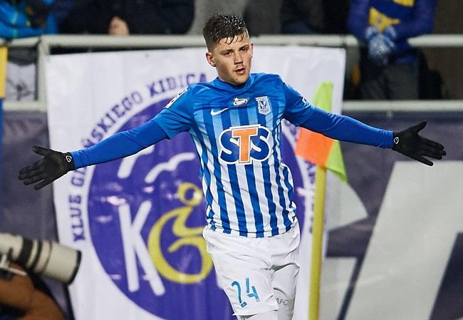 Lech Poznań player Dawid Kownacki celebrates a goal. Photo: PAP/Adam Warżawa.