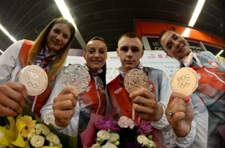 Polish medallists return from Baku