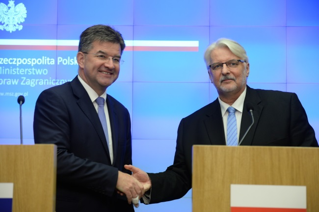 Poland's Waszczykowski (right) and Slovakia's Lajcak at a press conference in Warsaw on Tuesday. Photo: PAP/Jacek Turczyk