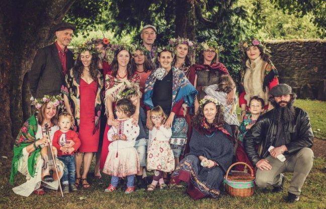 Krąg Magicznej Białej Pieśni - grupa wykonująca polskie pieśni tradycyjne